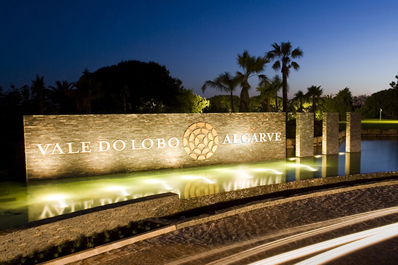Vale do Lobo main entrance roundabout